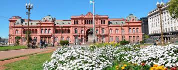 Plaza de Mayo, El Cabildo y la Casa Rosada